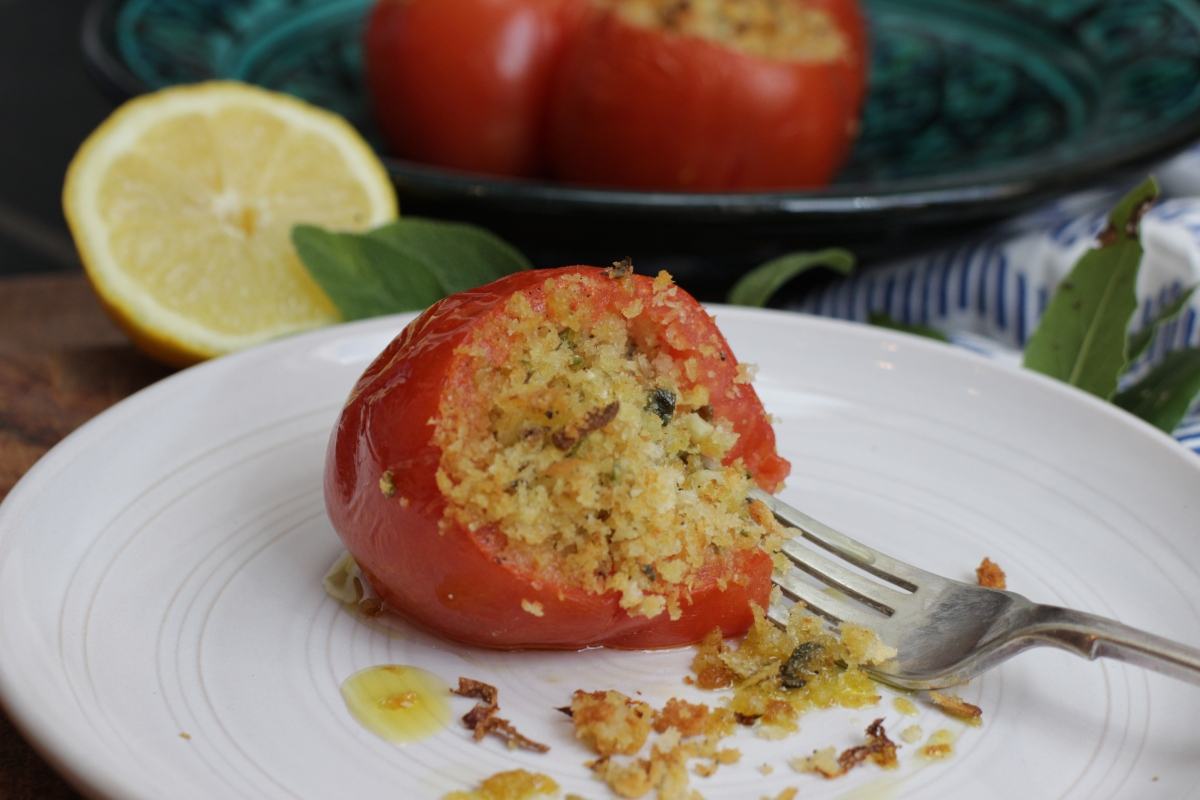 Stuffed tomatoes for #meatfreeMonday